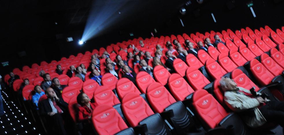 Productores y exhibidores de cine recuerdan que la bajada del IVA «no es oficial»