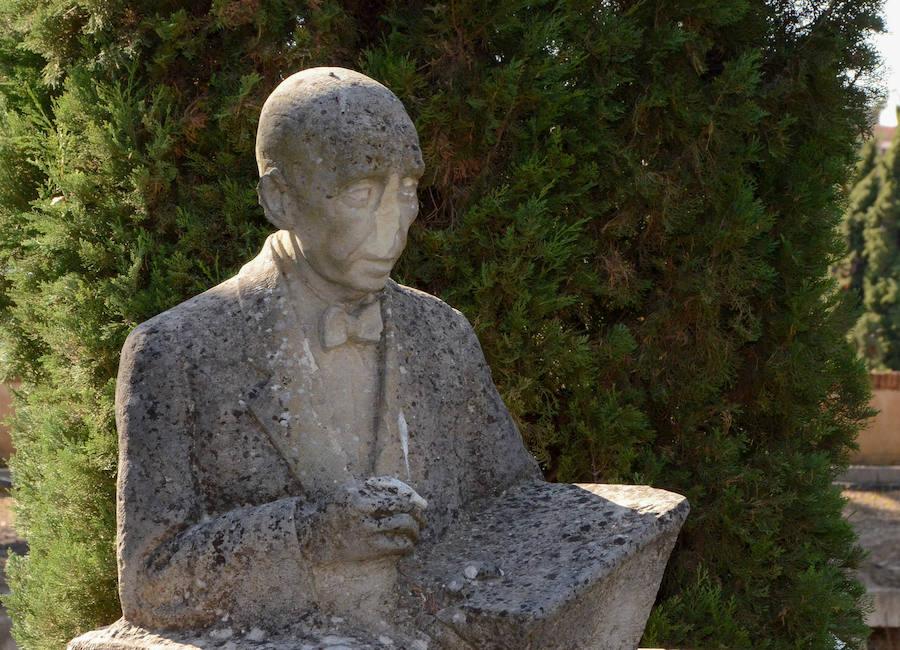 Las estatuas de Badajoz necesitan pasar por el taller