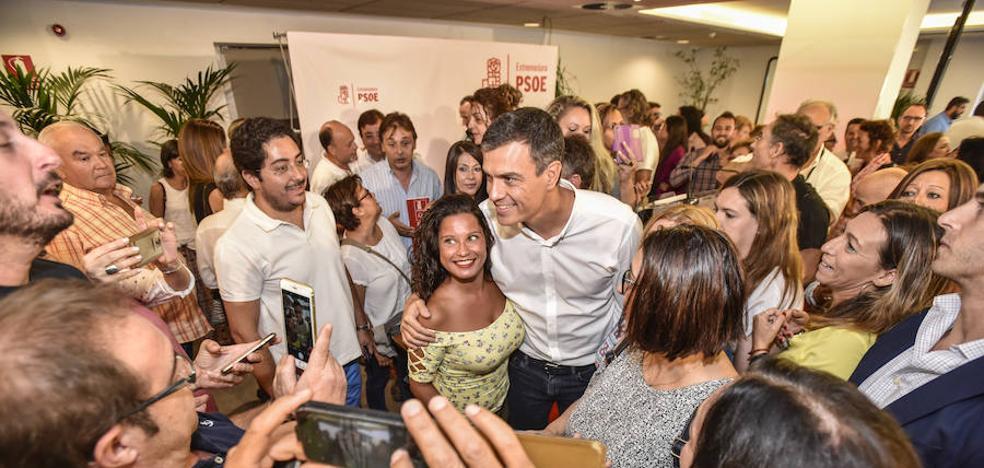 Pedro Sánchez promete «romper cristales por Extremadura»