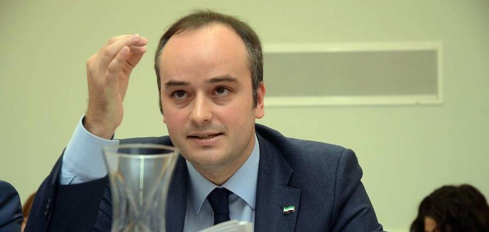 Valentín García: «Sánchez se equivoca eligiendo a Iván Redondo como asesor»