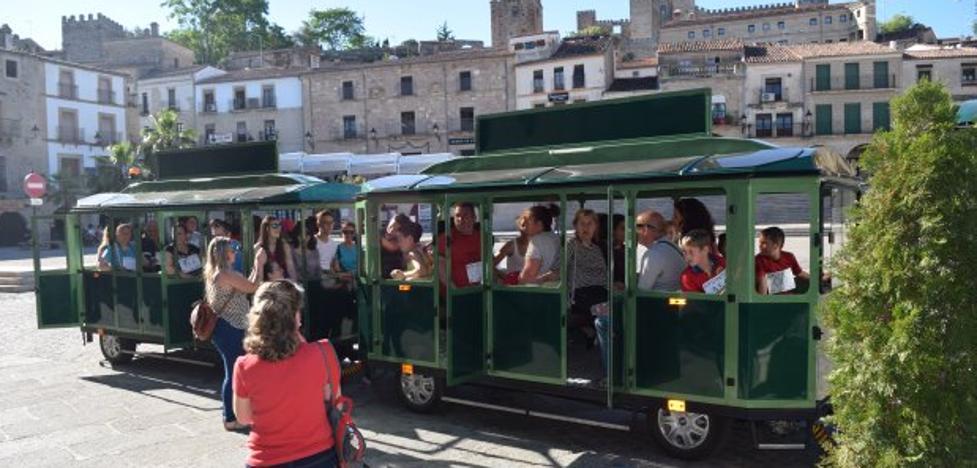 El Consistorio renueva el servicio del tren turístico