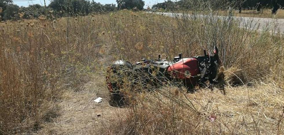 Un herido grave tras una colisión entre un coche y una moto en Valdebótoa