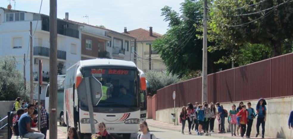 La Junta concede una ruta de autobús escolar desde Jaraíz a Madrigal para ciclos formativos