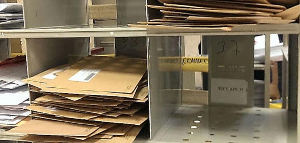 Correos ordena a sus oficinas no entregar los envíos relacionados con el 1-O