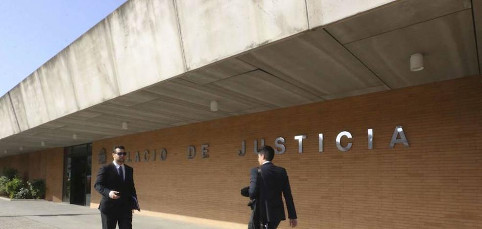 Condenada a dos años de prisión una vecina de Villafranca que intentó quemar viva a su familia