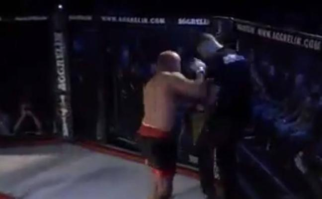 Luchador de MMA golpea al árbitro