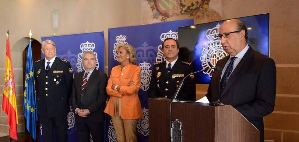El Día de la Policía Nacional incluirá dos exhibiciones en la plaza de toros de Badajoz