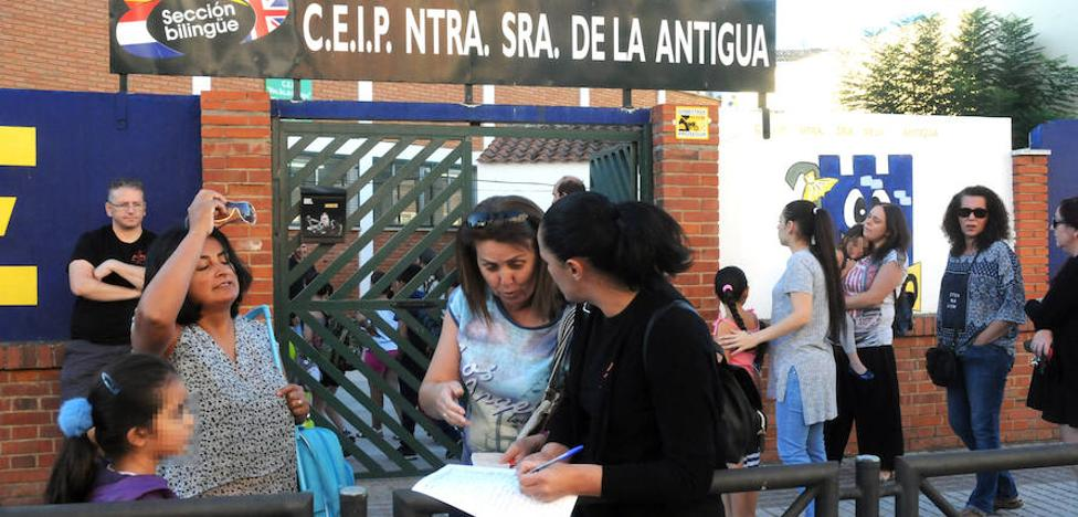 El inicio de las obras para arreglar varios colegios en Mérida se demora hasta 2018