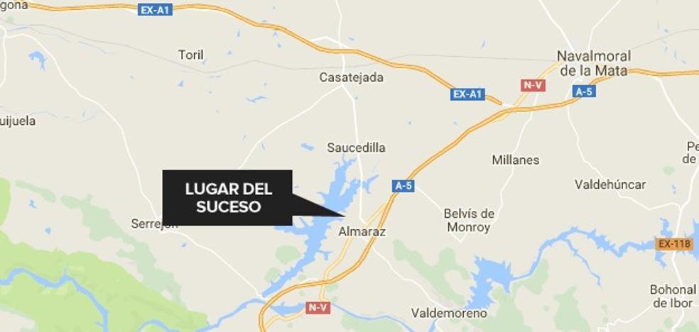 Un trabajador de 65 años resulta herido al caer de un tejado en Almaraz