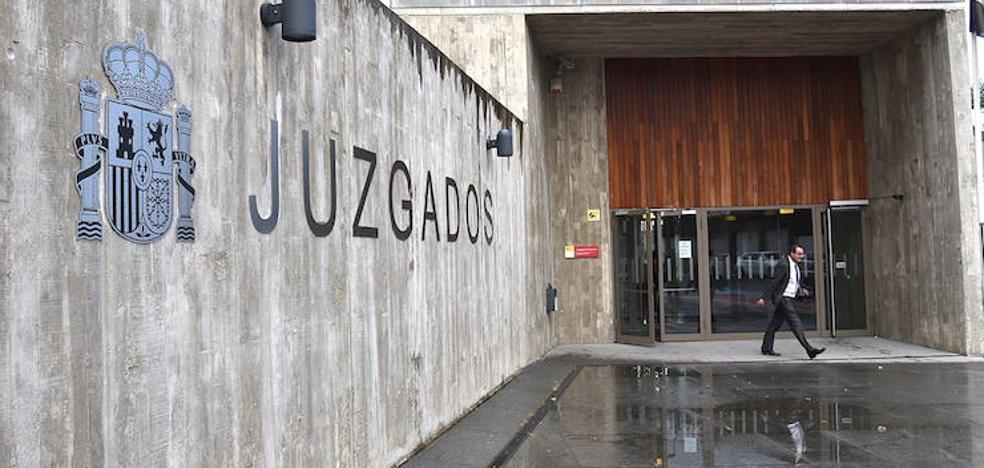 Detenida una funcionaria de los Juzgados de Plasencia por presunta revelación de secretos