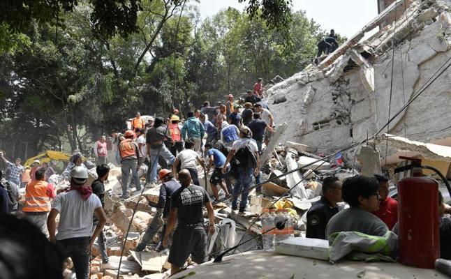 Un fuerte terremoto sacude el centro de México y deja al menos 225 muertos