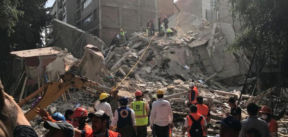 La Casa Real y los políticos españoles se solidarizan con las víctimas del terremoto