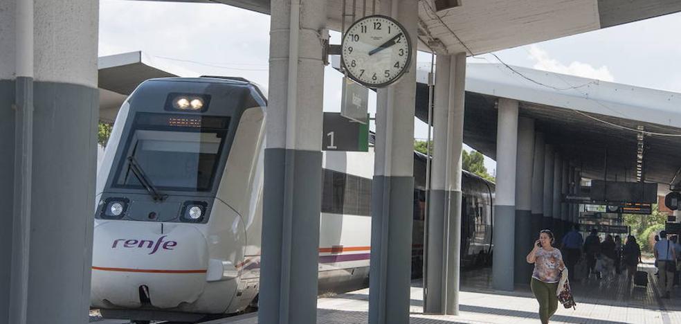 El tren Cabeza del Buey-Badajoz no llega a salir por una avería