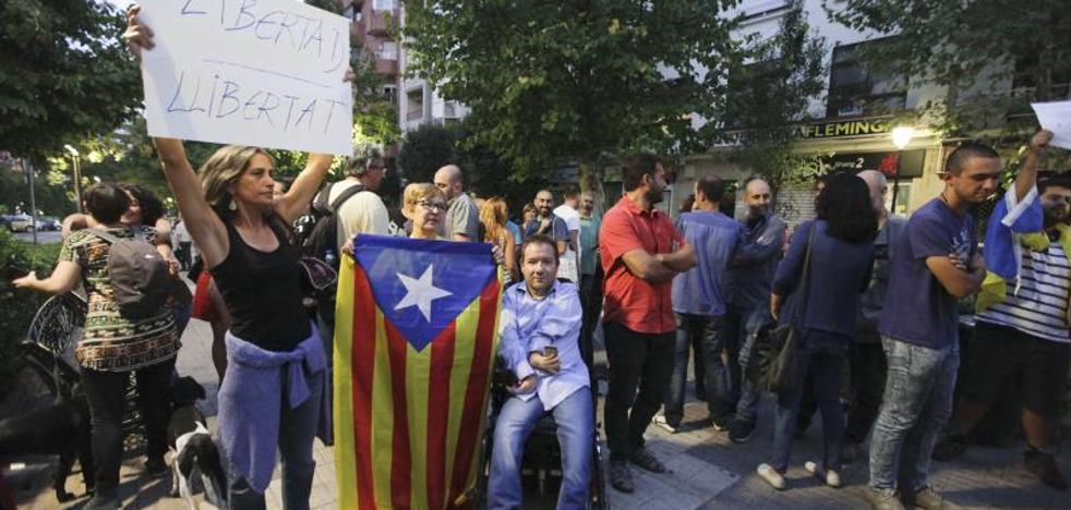 «No era una concentración independentista», dice Consuelo López, de CáceresTú, en el pleno