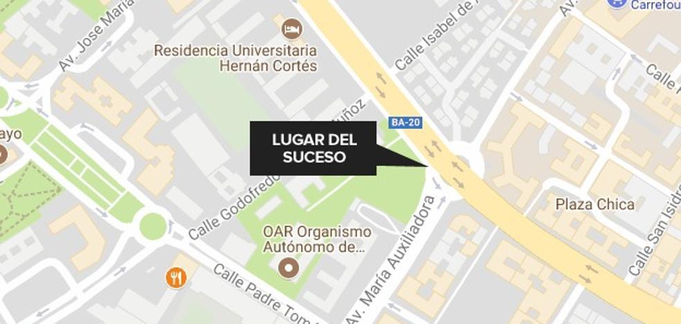 Herido tras el choque de un turismo y una moto en Badajoz