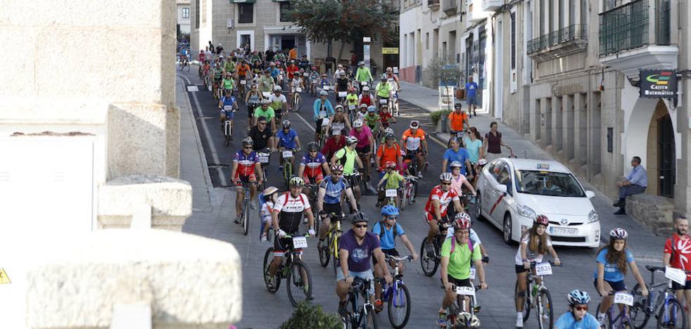 Cáceres se vuelca con la fiesta de la bicicleta