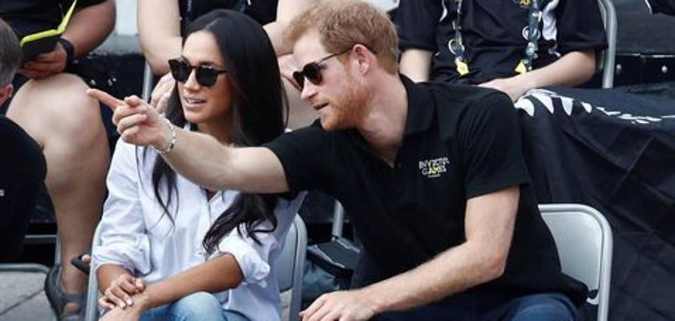 El príncipe Enrique y Meghan Markle, dos enamorados de la mano en Toronto