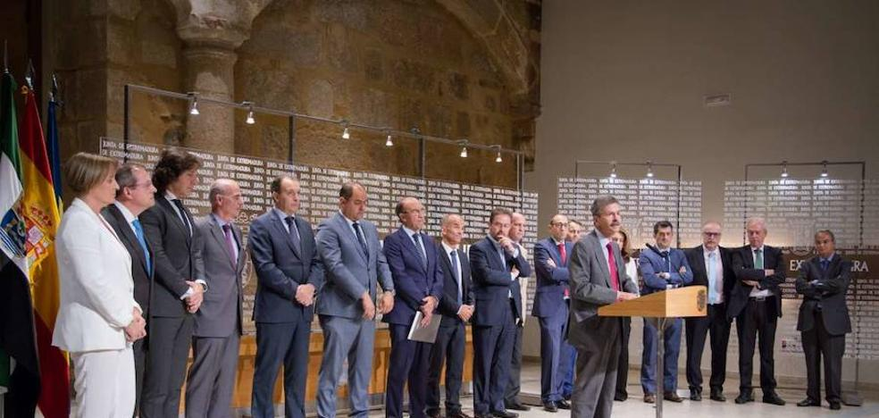 La Junta firma un convenio con trece entidades financieras