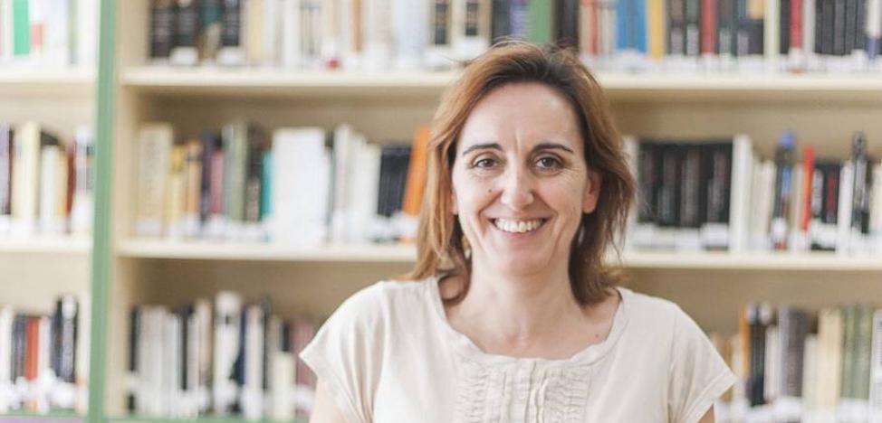 Irene Sánchez Carrón vuelve a la élite literaria con 'Micrografías'