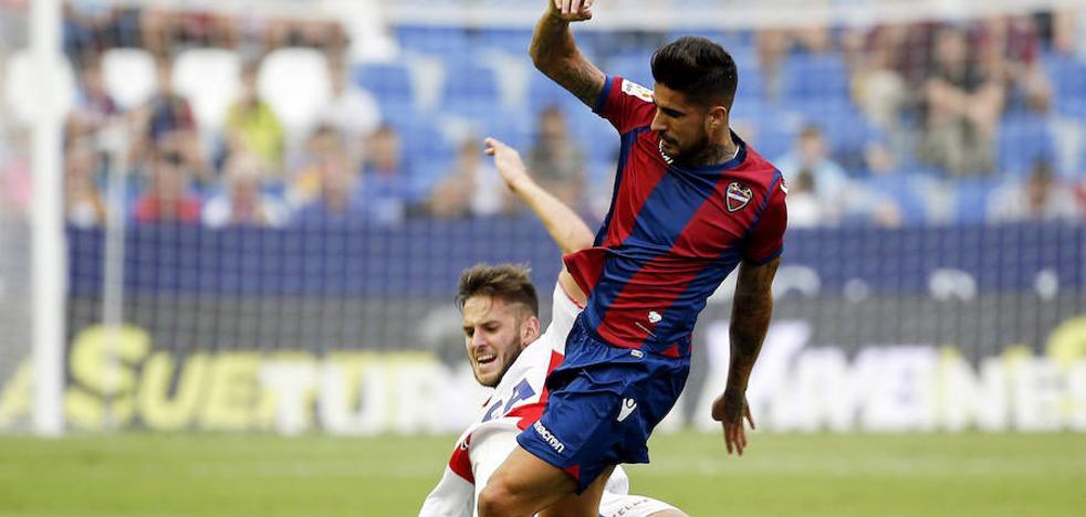El Alavés consigue sus primeros puntos