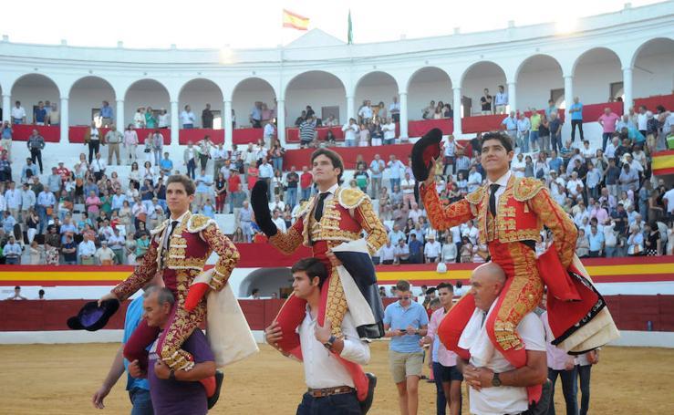 Ginés Marín, Garrido y Luis David Adame se reparten nueve orejas en Zafra