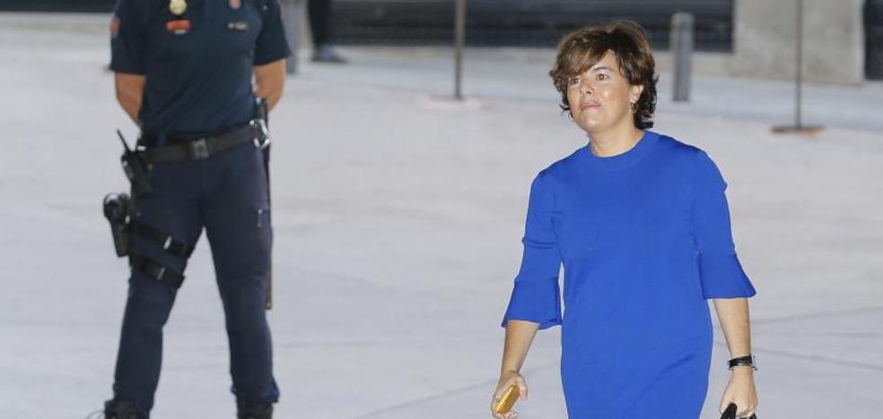 El PSOE pide la reprobación de Saénz de Santamaría por el 1-O