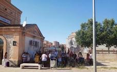 Concentración en Torrijos para pedir mejoras en el ferrocarril Madrid-Extremadura