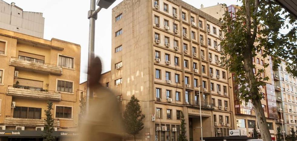 Inquilinos del edificio sindical de Cáceres buscan ya otra sede ante su posible venta