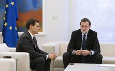 Rivera se reúne con Rajoy para reclamarle que aplique el artículo 155