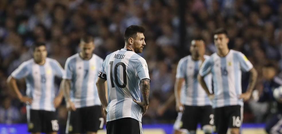 Argentina y Messi, cada vez más lejos del Mundial