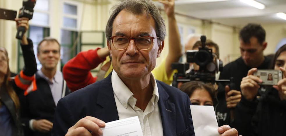 Mas enfría los ánimos y admite que Cataluña no está lista para una independencia «real»
