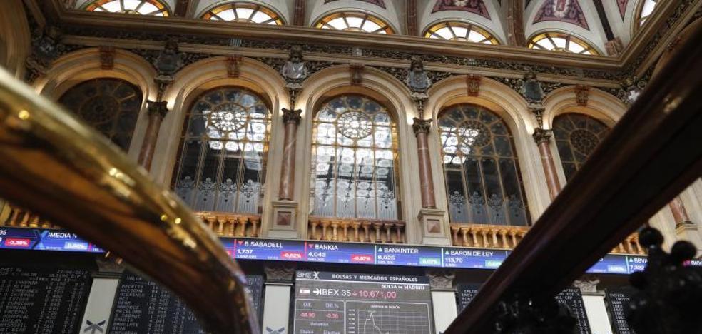 El Ibex se nota otro 0,5% con la aparente reducción del riesgo catalán