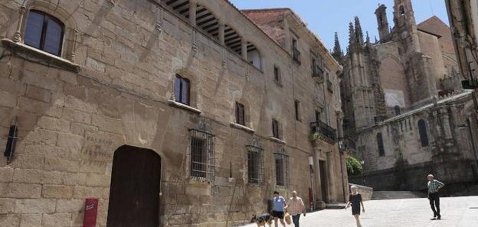 Los empresarios de Plasencia reclaman que se permita la llegada de la Universidad Católica de Ávila