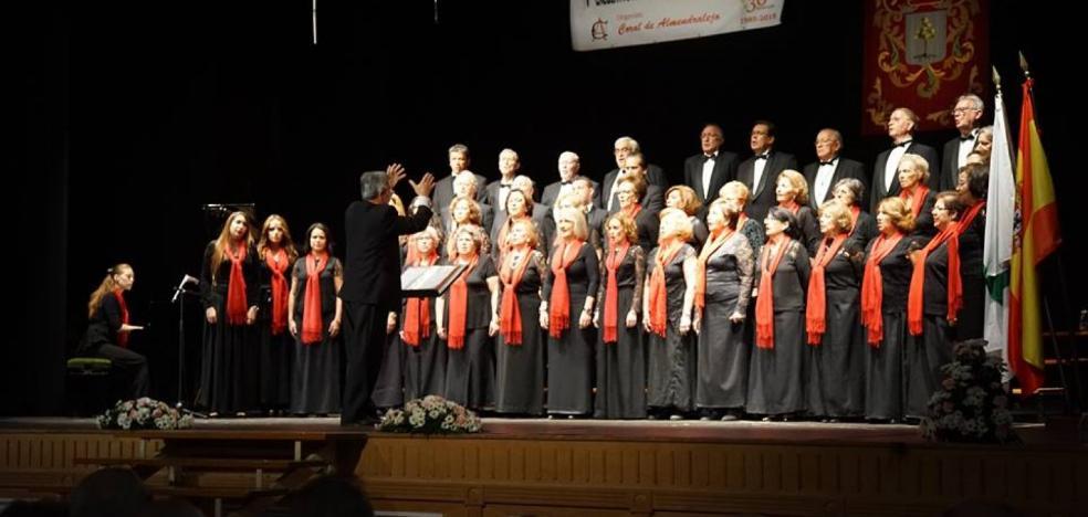 El teatro acoge el día 21 el VI Encuentro de Corales, en el que participan cuatro agrupaciones