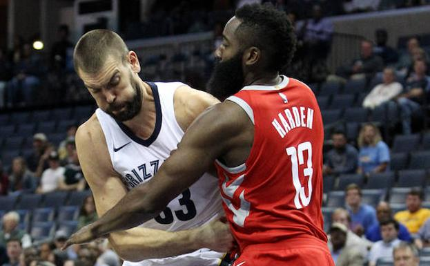 James Harden y Marc Gasol.
