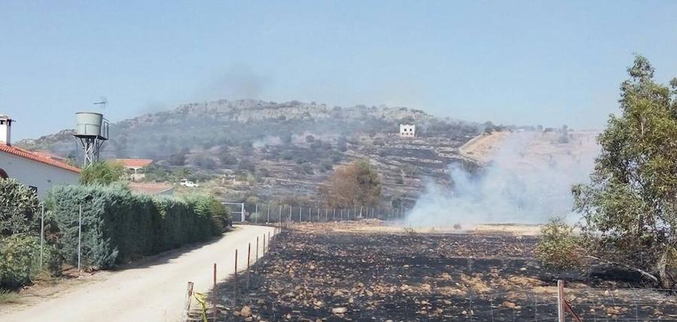 El Infoex declara el nivel 1 de peligrosidad por un incendio en Magacela