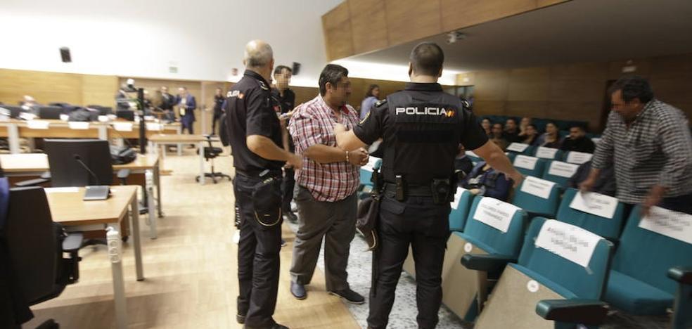 Los abogados del 'macrojuicio' de Cáceres aseguran que se está juzgando a una etnia