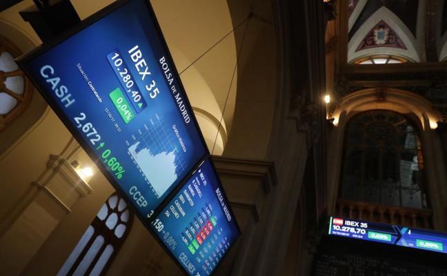 El Ibex gana un 0,71% en una semana marcada por Cataluña