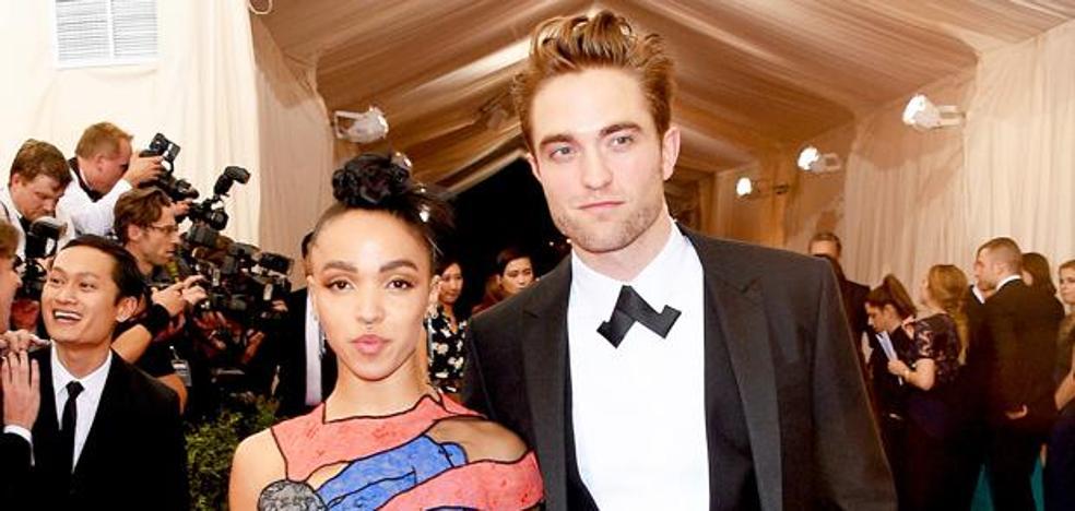 Robert Pattinson recupera la soltería