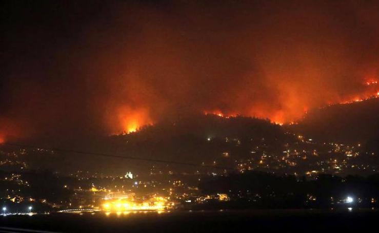 El fuego arrasa Galicia