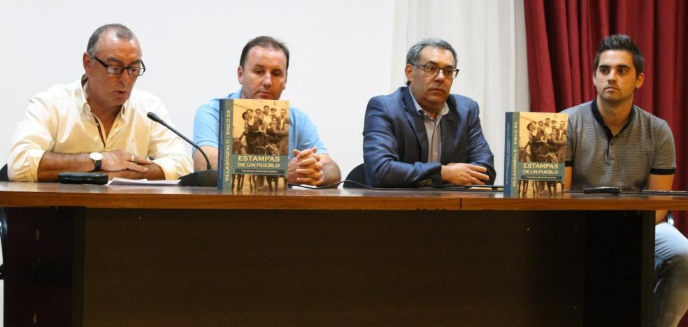 Francisco Sánchez presenta 'Estampas de un pueblo', tercera obra sobre la historia local