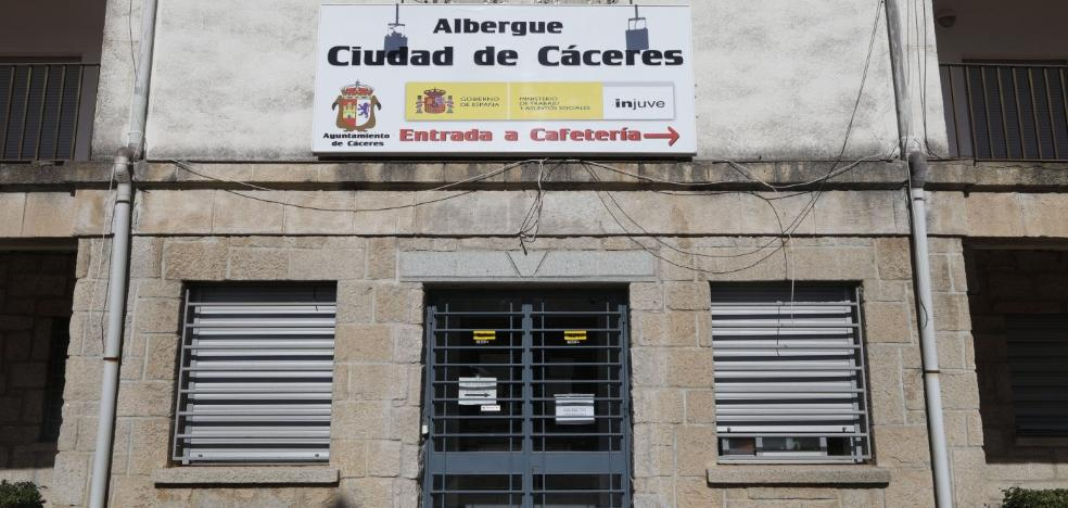 Desautorizan al Ayuntamiento de Cáceres a romper el contrato para la gestión del albergue municipal