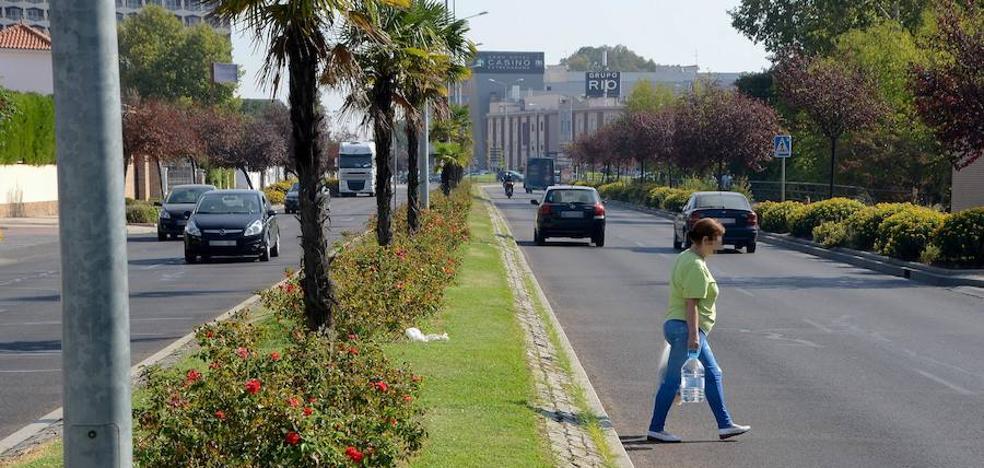 La avenida de Elvas tendrá un paso de peatones a la altura de Las Moreras