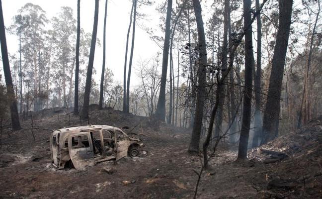Mueren cuatro personas en Galicia, donde nueve incendios siguen amenazando viviendas