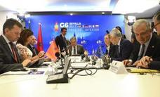 Zoido: «Los guardias civiles y policías de refuerzo seguirán en Cataluña mientras no cambien las circunstancias»