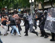 El Defensor del Pueblo investiga 42 quejas por cargas policiales y presencia de niños el 1-O
