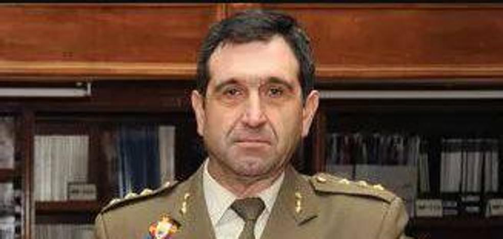 Charla del coronel José Pardo de Santayana en la Económica