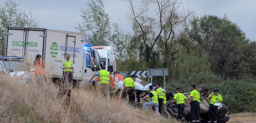 Los tres fallecidos en la EX-209 eran de una familia rumana que iba al médico a Badajoz