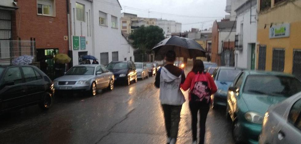 Martes con alerta por lluvias y notable bajada de temperaturas en Extremadura