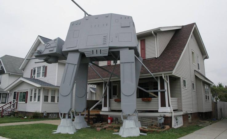 """Réplica de un transporte acorazado de """"Star Wars"""""""